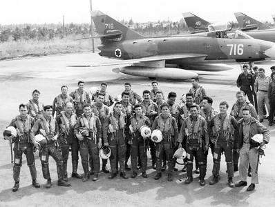 """בטייסת 105 סמב""""ד (סופר מיסטר) מתוך האוסף של יוסי יערי."""