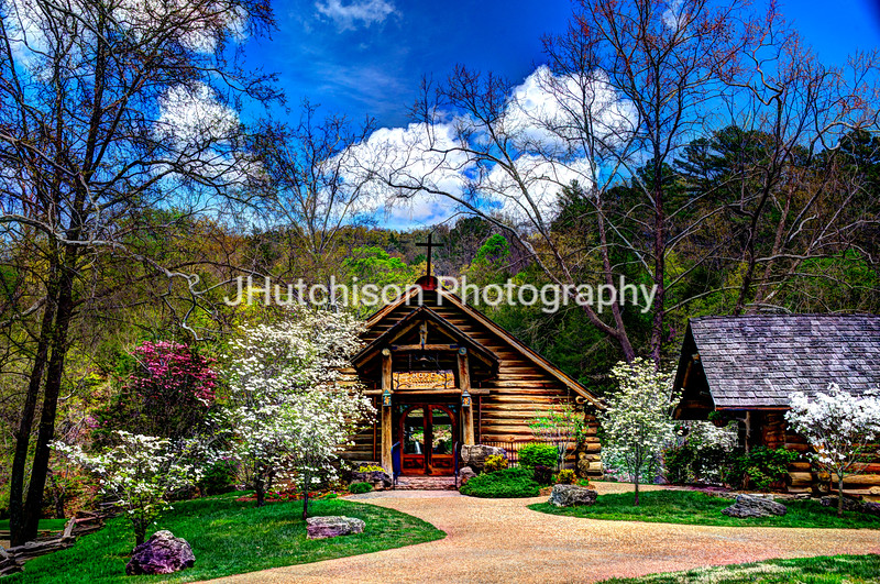 Hope Wilderness Chapel in Dogwood Canyon