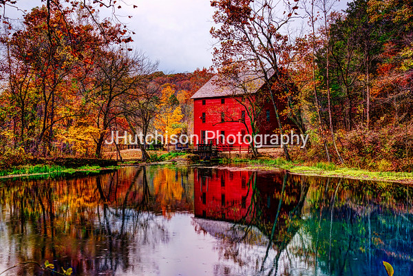 MO0022 - Alley Mill and Alley Spring in Autumn