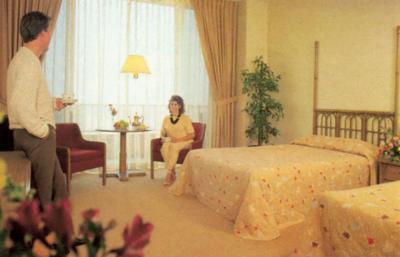 Hotel Room - FBI questions sc 181