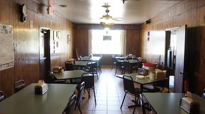 Sports Bar restaurant / Lavona