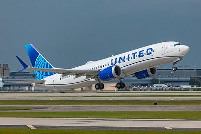 United Airlines Boeing 737-8 MAX N27251 7-21-21