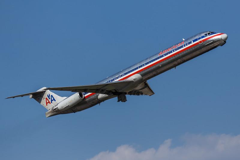 American N979TW