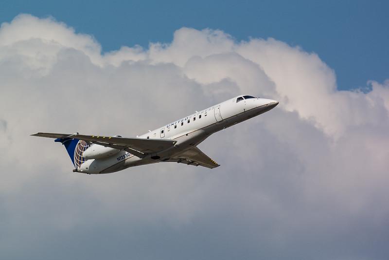 United Express N12530