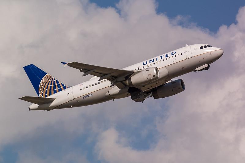 United N850UA