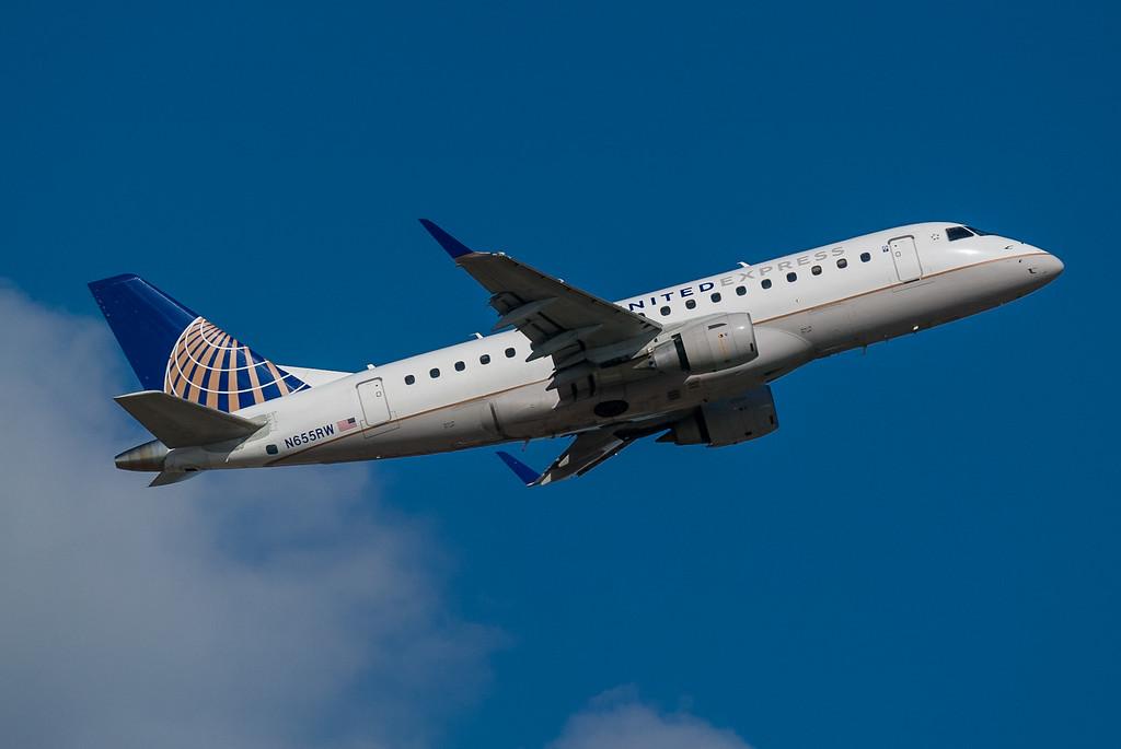 United Express N655RW
