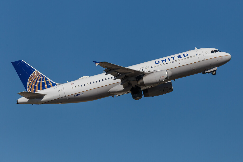 United N469UA