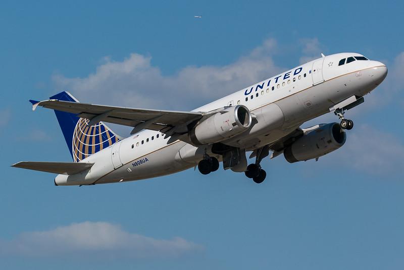United N808UA