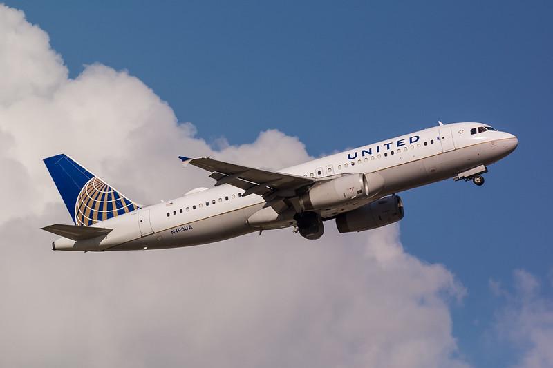 United N490UA
