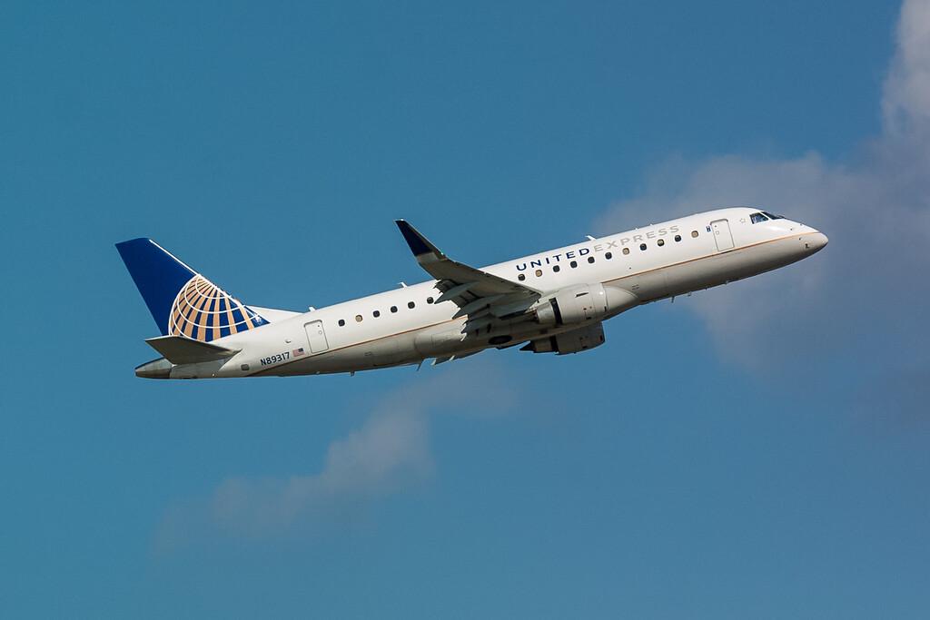United Express N89317