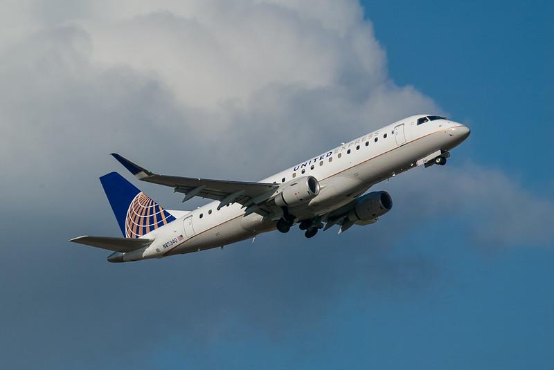 United Express N85340