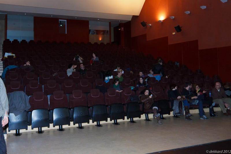 Esperando que comience A TRAVES DE LOS OLIVOS. Abbas Kiarostami