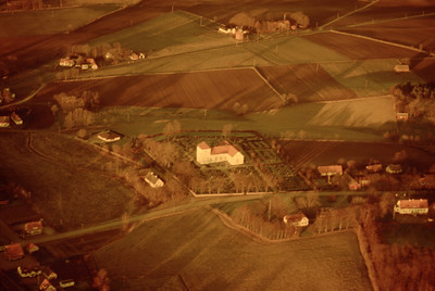 Fränninge church and village. Experimentally photographed with yellow filter (19 November, 1988). | LH.0291