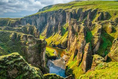 Fjaðrárgljúfur Canyon 2