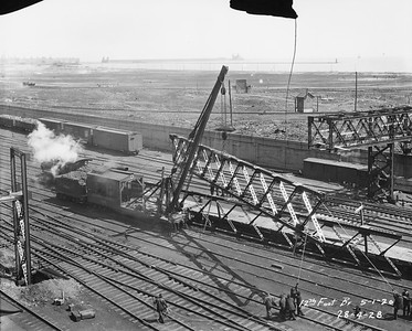 2010.030.PC05.05--lee hastman collection 8x10 print--ICRR--Co Photo view of 12th Street footbridge construction--Chicago IL--1926 0501