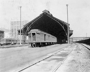 2010.030.PC05.14--lee hastman collection 8x10 print--ICRR--Co Photo view of Central Station original trainshed looking north--Chicago IL--no date