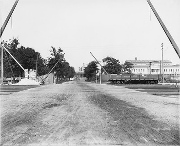 2010.030.PC07.32--lee hastman collection 8x10 print--ICRR--Co Photo view of grade crossing at 59th Street looking east--Chicago IL--no date
