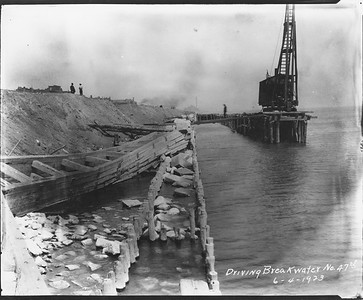 2010.030.PC07.25A--lee hastman collection 8x10 print--ICRR--Co Photo view of pile driving breakwater near 47th Street--Chicago IL--1923 0604