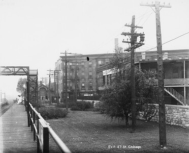 2010.030.PC07.18--lee hastman collection 8x10 print--ICRR--Co Photo view of commuter depot and platform at 43rd Street looking south--Chicago IL--no date