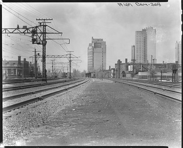 2010.030.PC07.27--lee hastman collection 8x10 print--ICRR--Co Photo view of commuter platform at 53rd Street looking south--Chicago IL--1945 0619