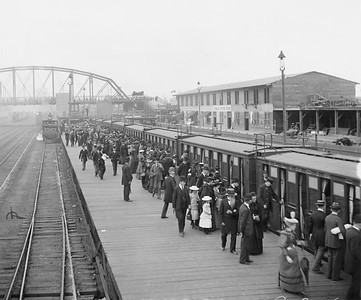2010.030.PC07.34--lee hastman collection 8x10 print--ICRR--Co Photo view of Worlds Fair train boarding at commuter platform at 63rd Street--Woodlawn IL--1893 0000