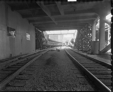 2010.030.PC03.18--lee hastman collection 8x10 print--ICRR--Co Photo view of Randolph Street station from track level--Chicago IL--no date