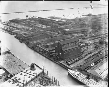 2010.030.PC02.01--lee hastman collection 8x10 print--ICRR--Co Photo view of South Water Street yards and industries looking southeast--Chicago IL--no date