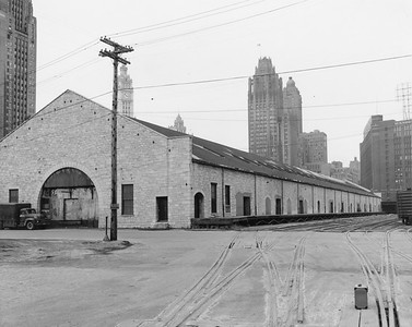 2010.030.PC02.07--lee hastman collection 8x10 print--ICRR--Co Photo view of ICRR warehouse at South Water Street looking northwest--Chicago IL--no date