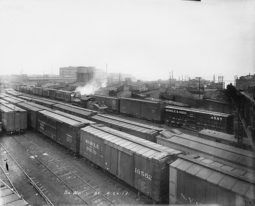 2010.030.PC02.19--lee hastman collection 8x10 print--ICRR--Co Photo view of South Water Street yards looking east-northeast--Chicago IL--1917 0426