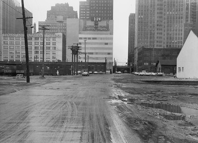2010.030.PC02.09--lee hastman collection 8x10 print--ICRR--Co Photo looking west down South Water Street ICRR warehouse at right--Chicago IL--no date