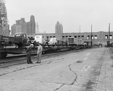 2010.030.PC02.14--lee hastman collection 8x10 print--ICRR--Co Photo view of flatcars at Randolph Street looking north--Chicago IL--no date