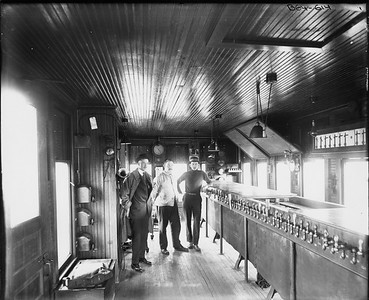 2010.030.PC06.04--lee hastman collection 8x10 print--ICRR--Co Photo view of 16th Street interlocking tower interior on St Charles Airline--Chicago IL--no date