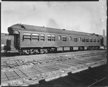 2010.030.PC22.00B--lee hastman collection 8x10 print--ICRR--Co Photo view of business car 2--Chicago IL--no date