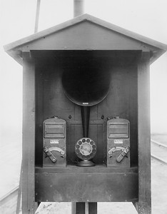 2010.030.PC23.13--lee hastman collection 8x10 print--ICRR--new GRS humpyard retarder system-signalmans controller and telephone--East St Louis IL--1926 0315