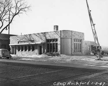 2010.030.PC24.01--lee hastman collection 8x10 print--CB&Q--depot--Rockford IL--1947 0108