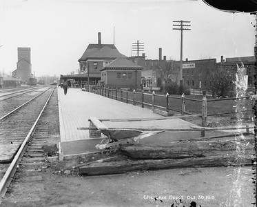 2010.030.PC13.02--lee hastman collection 8x10 print--ICRR--Company Photograph view of depot--Cherokee IA--1915 1030