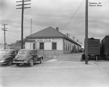 2010.030.PC13.05--lee hastman collection 8x10 print--ICRR--Company Photograph view of freighthouse--Cherokee IA--1946 0509