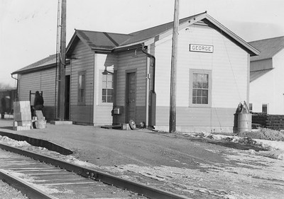 2010.030.PC13.20--lee hastman collection 8x10 print--ICRR--Company Photograph view of depot--George IA--1944 0000