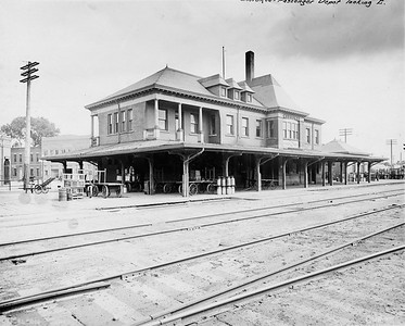 2010.030.PC13.04--lee hastman collection 8x10 print--ICRR--Company Photograph view of depot looking east--Cherokee IA--1915 0606