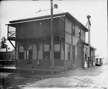 2010.030.PC16.04--lee hastman collection 8x10 print--ICRR--Co Photo view of depot--Darling MS--no date