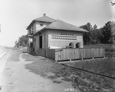 2010.030.PC16.06--lee hastman collection 8x10 print--ICRR--Co Photo view of depot--Dubard MS--1912 0000