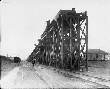 2010.030.PC16.03--lee hastman collection 8x10 print--ICRR--Co Photo view of coal chute--Corinth MS--1911 1108