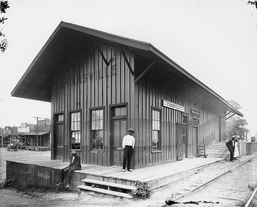 2010.030.PC16.07--lee hastman collection 8x10 print--ICRR--Co Photo view of depot--Evansville MS--no date