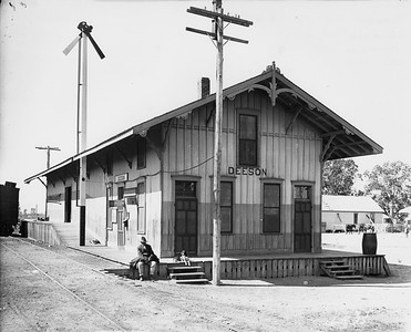 2010.030.PC16.05--lee hastman collection 8x10 print--ICRR--Co Photo view of depot--Deeson MS--c1915