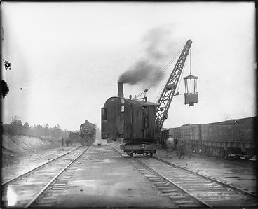 2010.030.PC19.01--lee hastman collection 8x10 print--ICRR--Co Photo view of crane working in yard--Haleyville AL--1911 1100