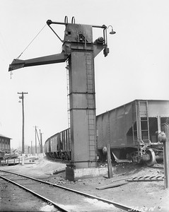2010.030.PC15.04C--lee hastman collection 8x10 print--ICRR--Co Photo view of coal hoist--Jackson TN--no date