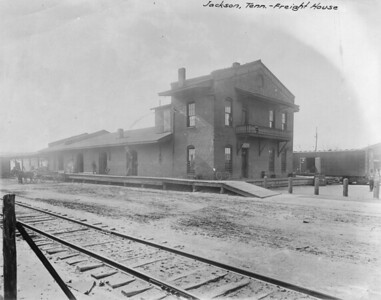 2010.030.PC15.03--lee hastman collection 8x10 print--ICRR--Co Photo view of freighthouse--Jackson TN--1915 1129