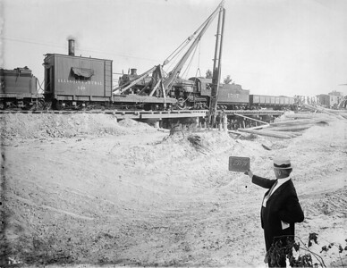 2010.030.PC15.01--lee hastman collection 8x10 print--ICRR--Co Photo view of steam pile driver driving piles at bridge J281-78--Alvery TN--1914 0722