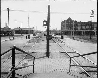 2010.030.PC09.03--lee hastman collection 8x10 print--ICRR--Co Photo view platform at Stony Island looking east--Chicago IL--no date