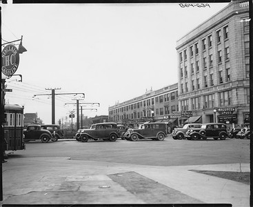 2010.030.PC09.16--lee hastman collection 8x10 print--ICRR--Co Photo view at Exchange and 71st St looking west--Chicago IL--c1926 0000